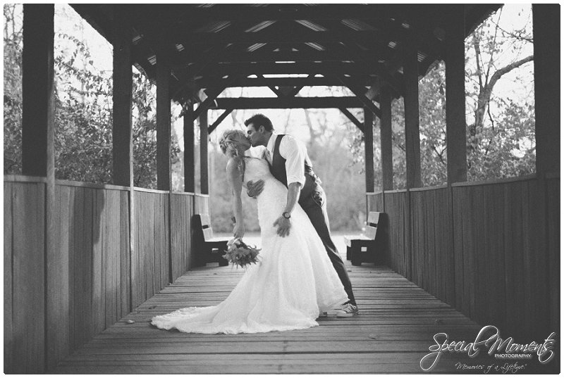Special Moments Photography , Fall wedding Portraits , Arkansas Wedding Photography