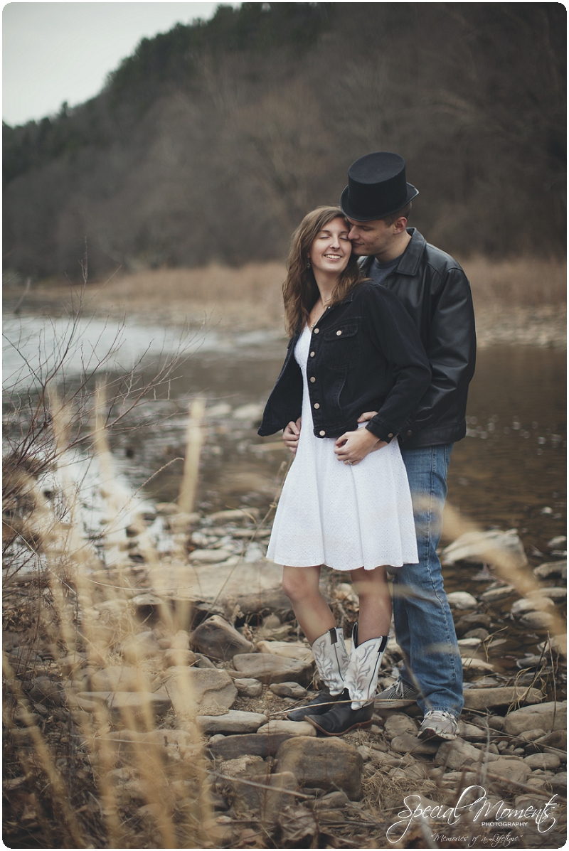 Southern Engagement Portraits , Outdoor Engagement Ideas , Outdoor Engagement Pictures_0006