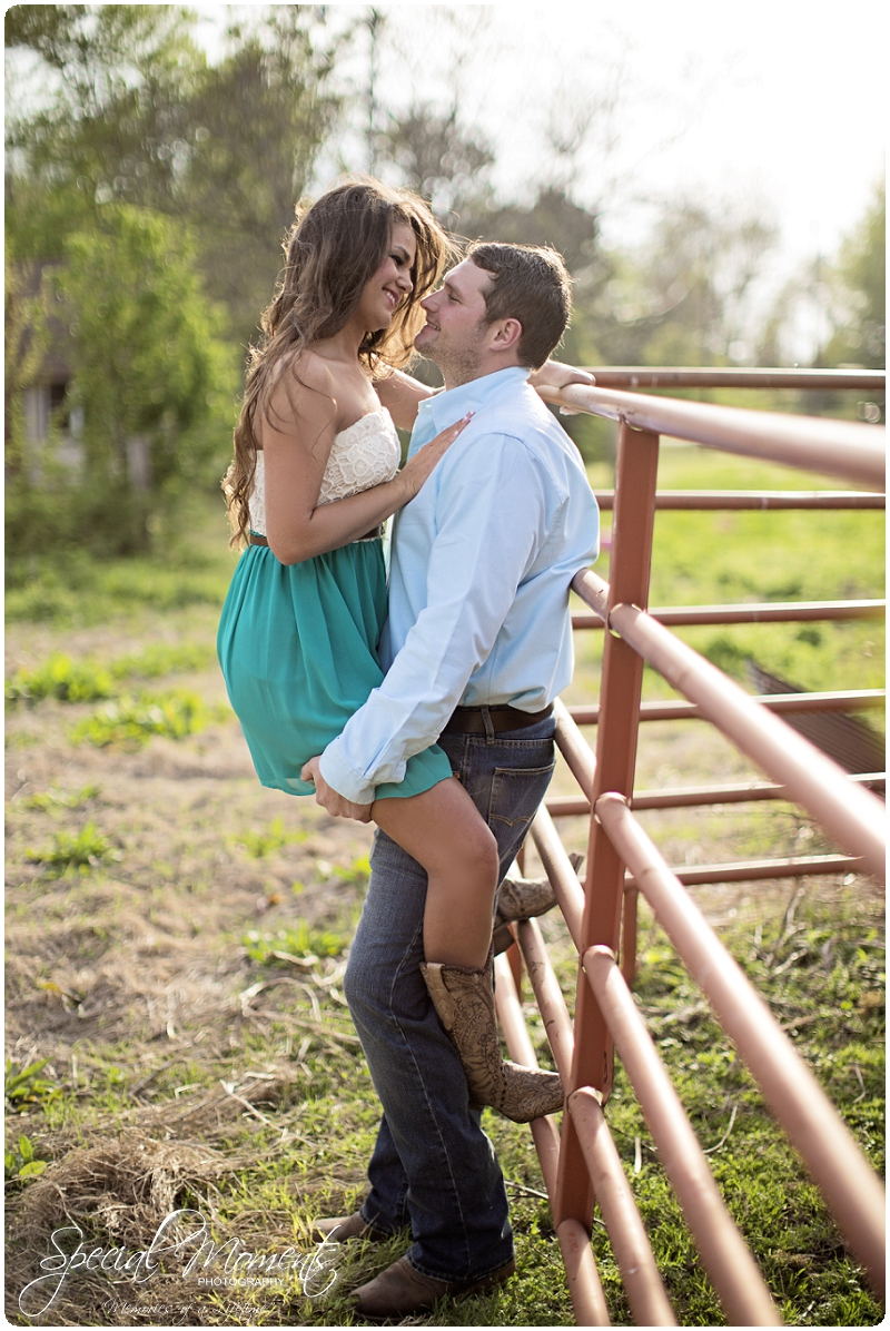 Outdoor Engagement Portraits, Southern Engagement Pictures, Engagement Pictures_0059