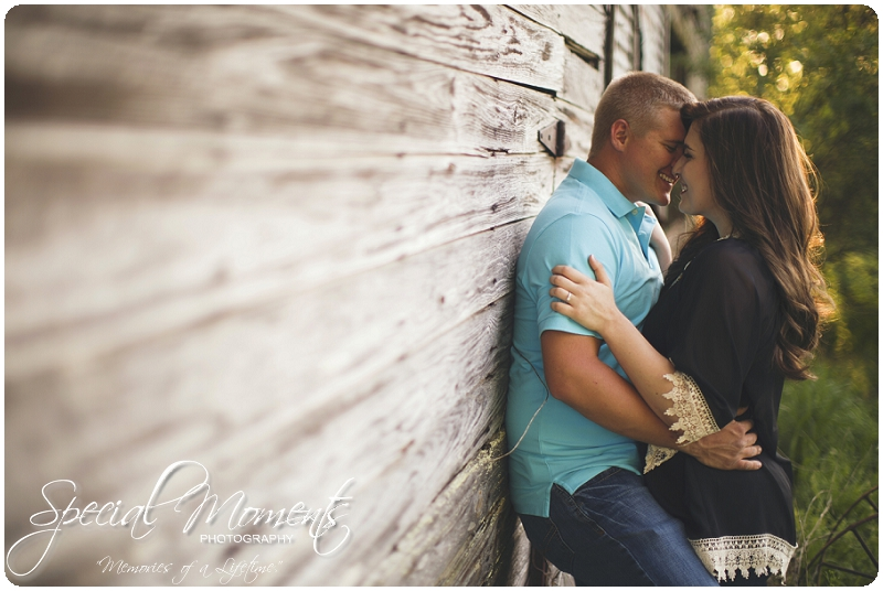 Southern Engagement Ideas, Southern Engagement Pictures, Country Engagement Pictures_0002