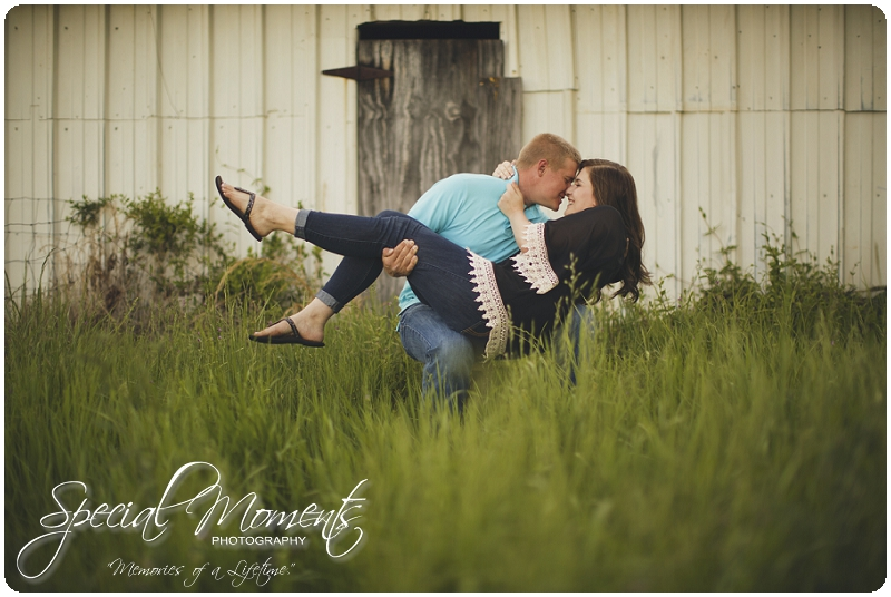 Southern Engagement Ideas, Southern Engagement Pictures, Country Engagement Pictures_0003