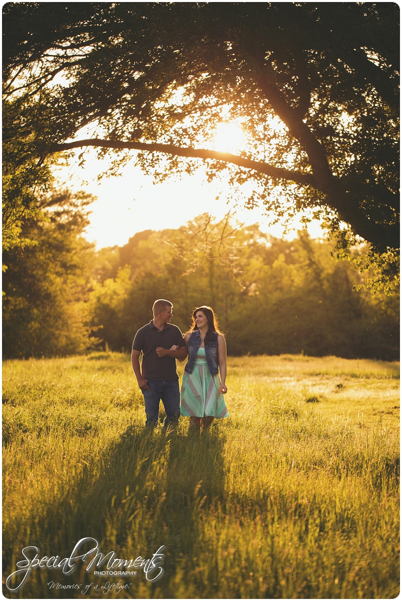 Southern Engagement Ideas, Southern Engagement Pictures, Country Engagement Pictures_0009