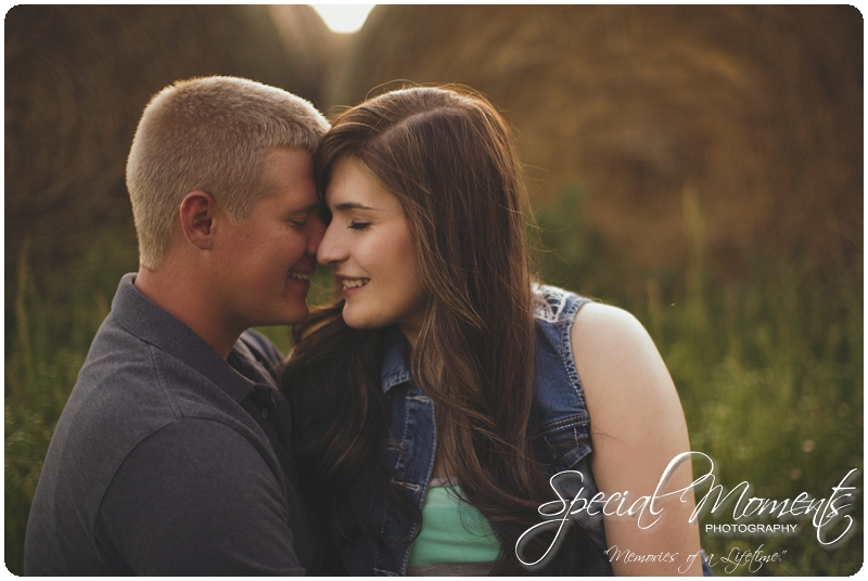 Southern Engagement Ideas, Southern Engagement Pictures, Country Engagement Pictures_0011