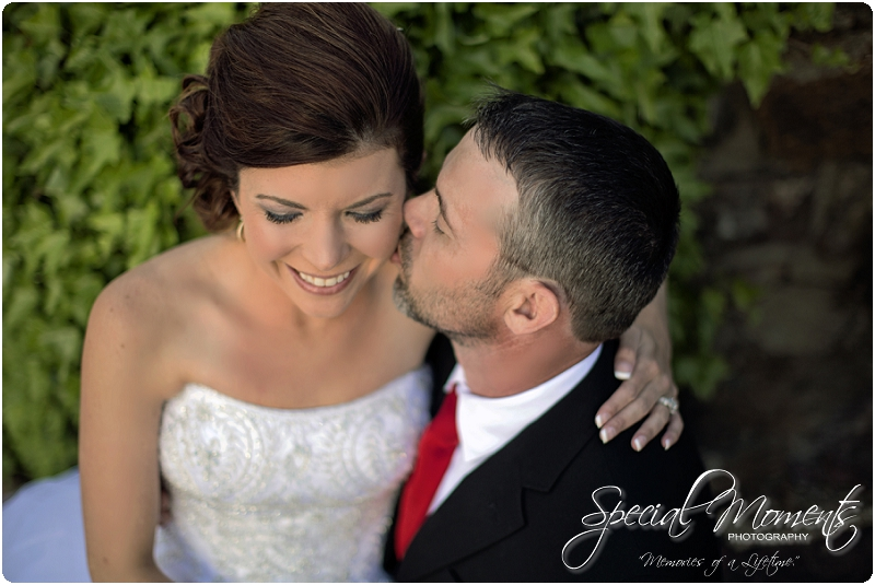 Southern Wedding Portraits, Southern Weddings, Winery Wedding Portraits, Weiderkehr Wine Village_0000