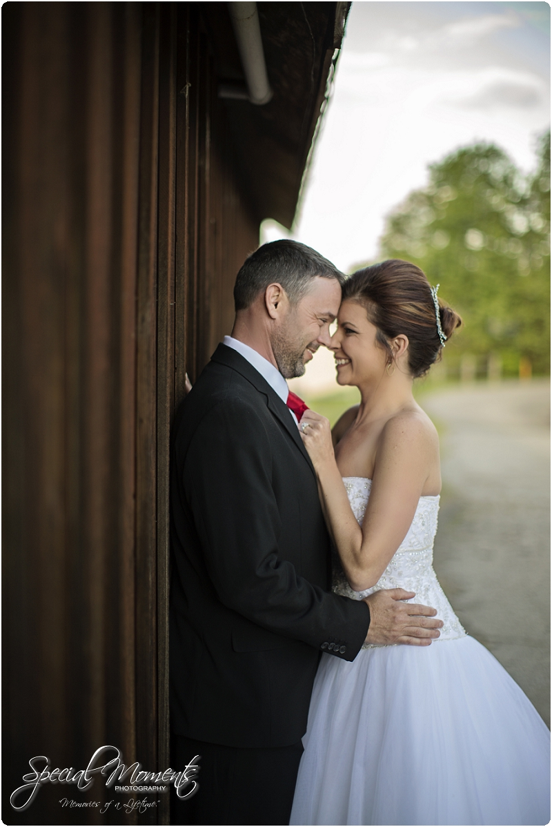 Southern Wedding Portraits, Southern Weddings, Winery Wedding Portraits, Weiderkehr Wine Village_0002