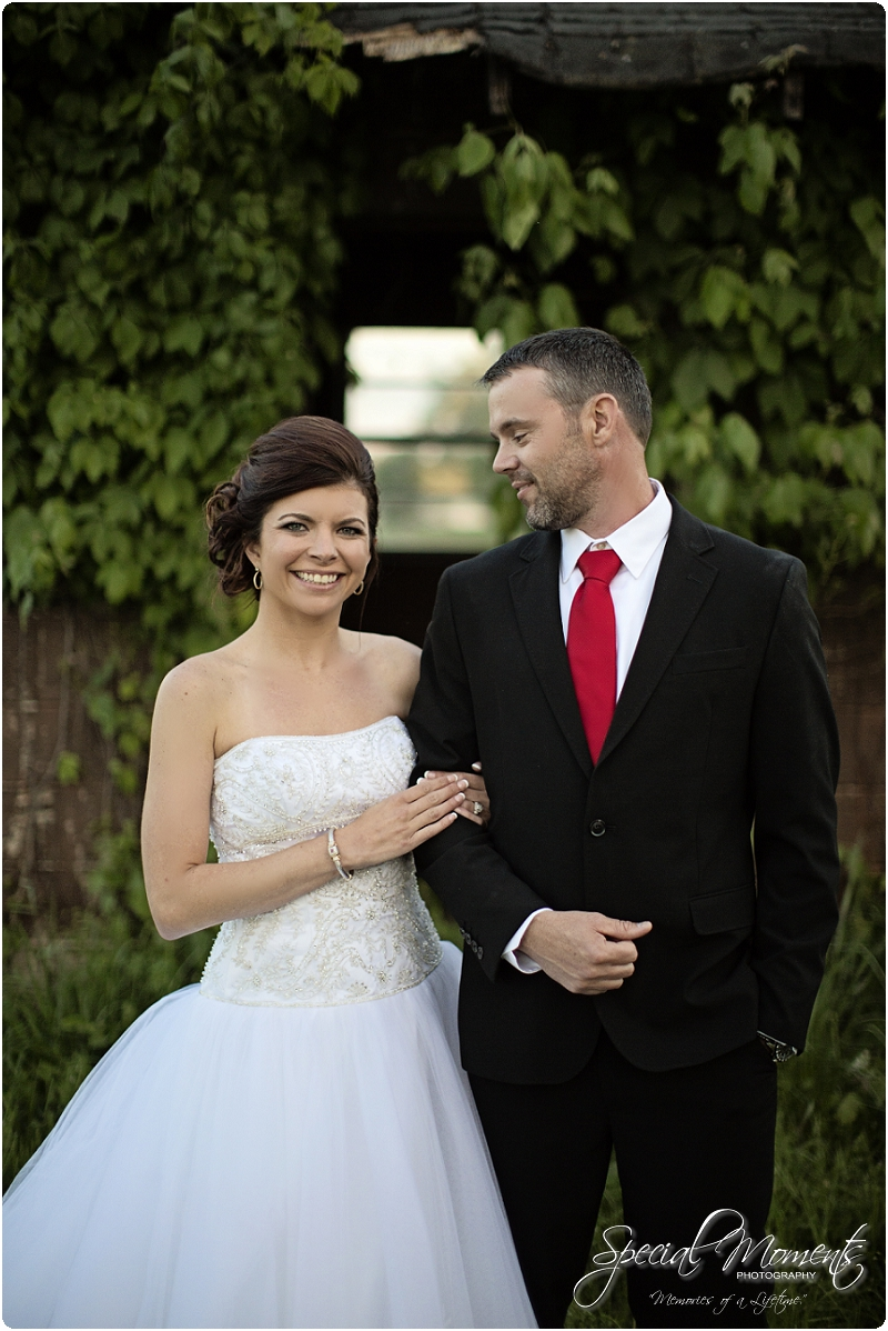 Southern Wedding Portraits, Southern Weddings, Winery Wedding Portraits, Weiderkehr Wine Village_0014