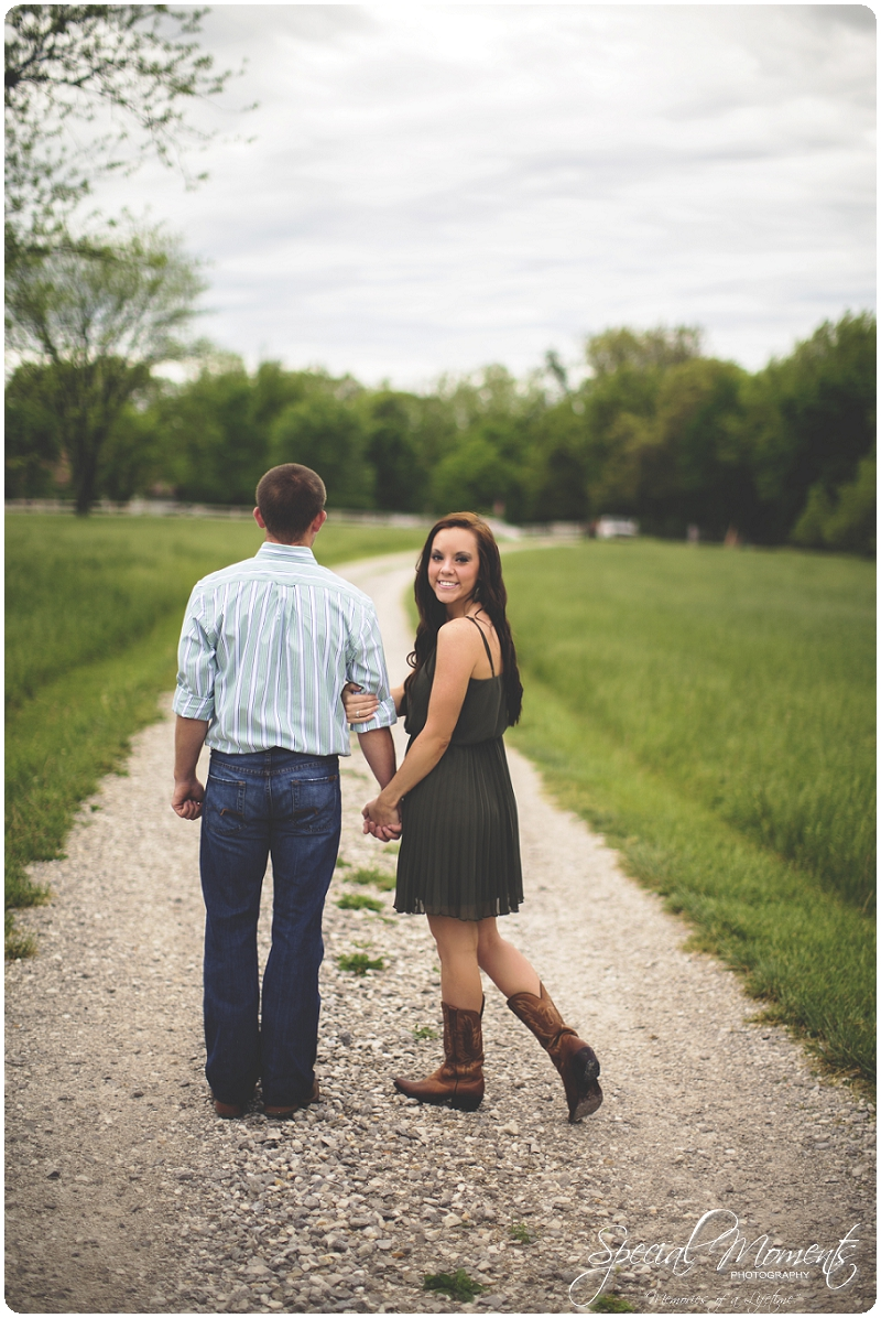 Southern engagement pictures, Engagement Picture ideas, Country Engagement Pictures_0046