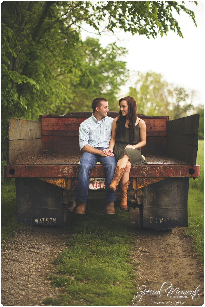 Southern engagement pictures, Engagement Picture ideas, Country Engagement Pictures_0047