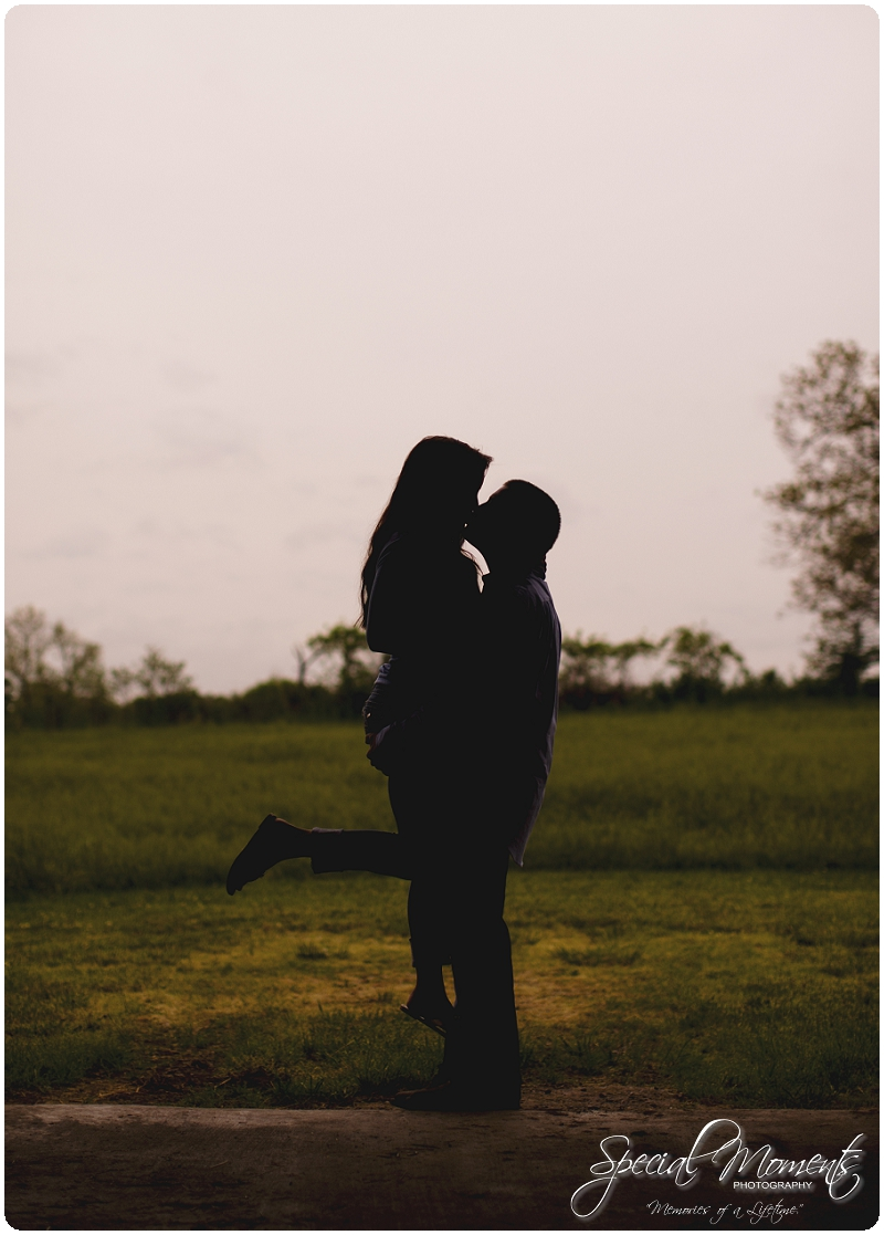 Southern engagement pictures, Engagement Picture ideas, Country Engagement Pictures_0050