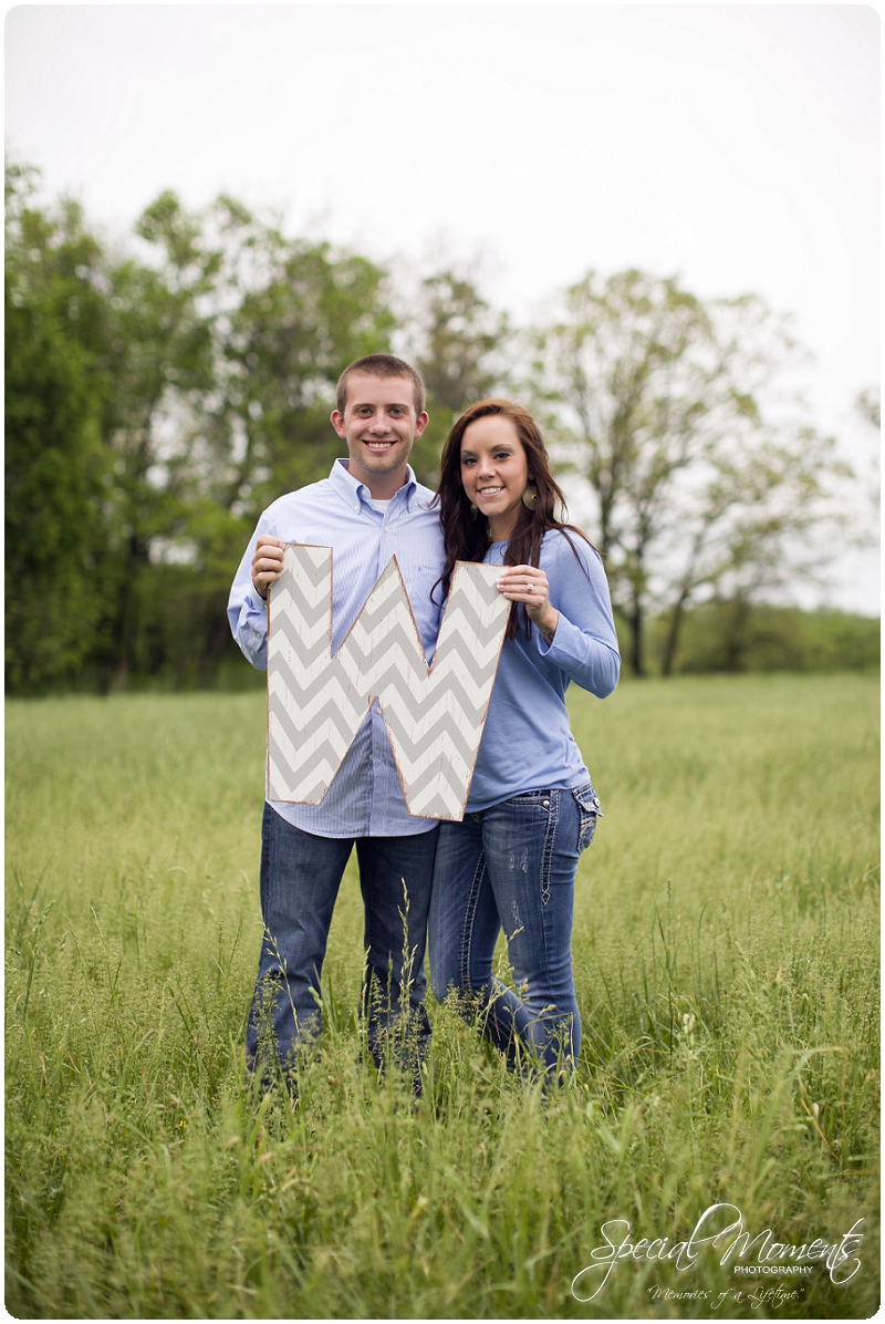 Southern engagement pictures, Engagement Picture ideas, Country Engagement Pictures_0051