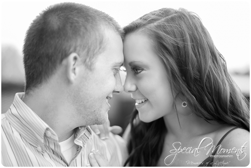 Southern engagement pictures, Engagement Picture ideas, Country Engagement Pictures_0052