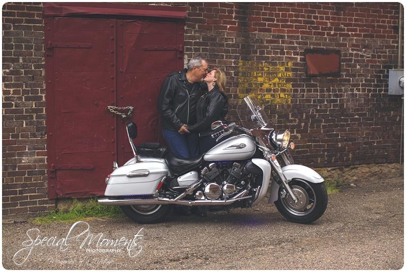 Engagement Pictures, Engagement Portraits_0051