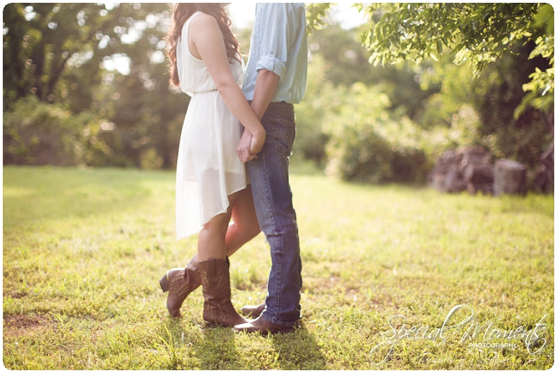 Southern engagement Pictures, Country Engagement Pictures, southern engagement ideas_0009