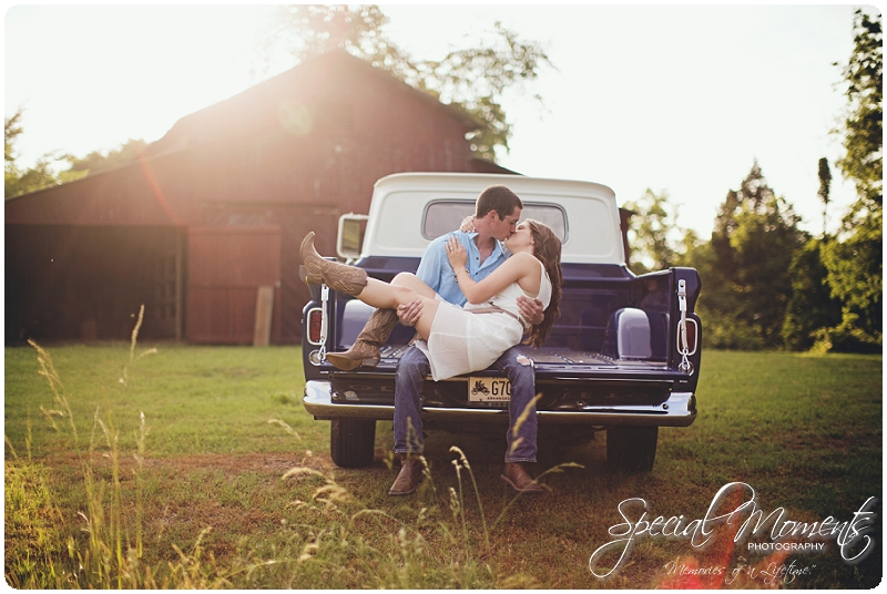 Southern engagement Pictures, Country Engagement Pictures, southern engagement ideas_0014