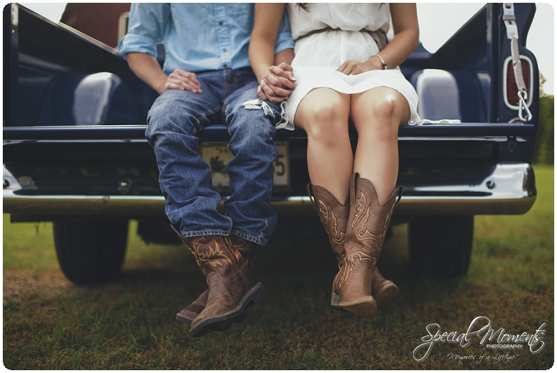 Southern engagement Pictures, Country Engagement Pictures, southern engagement ideas_0015