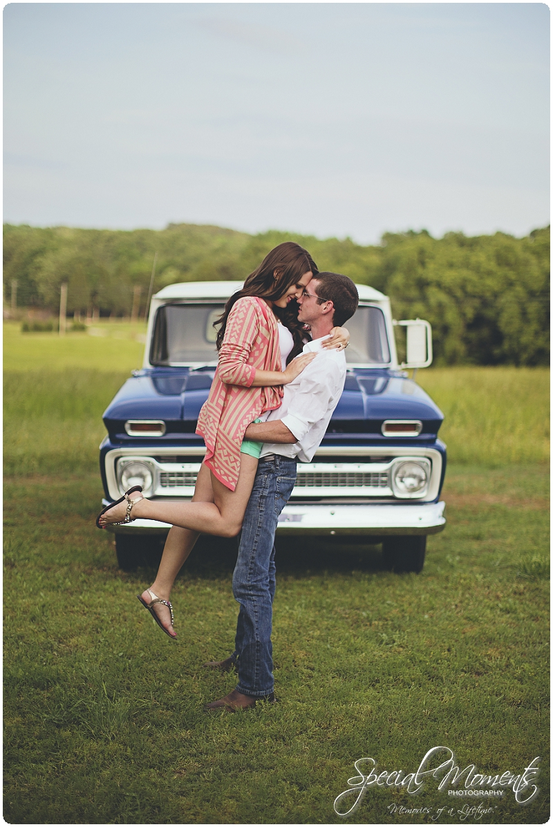 Southern engagement Pictures, Country Engagement Pictures, southern engagement ideas_0018