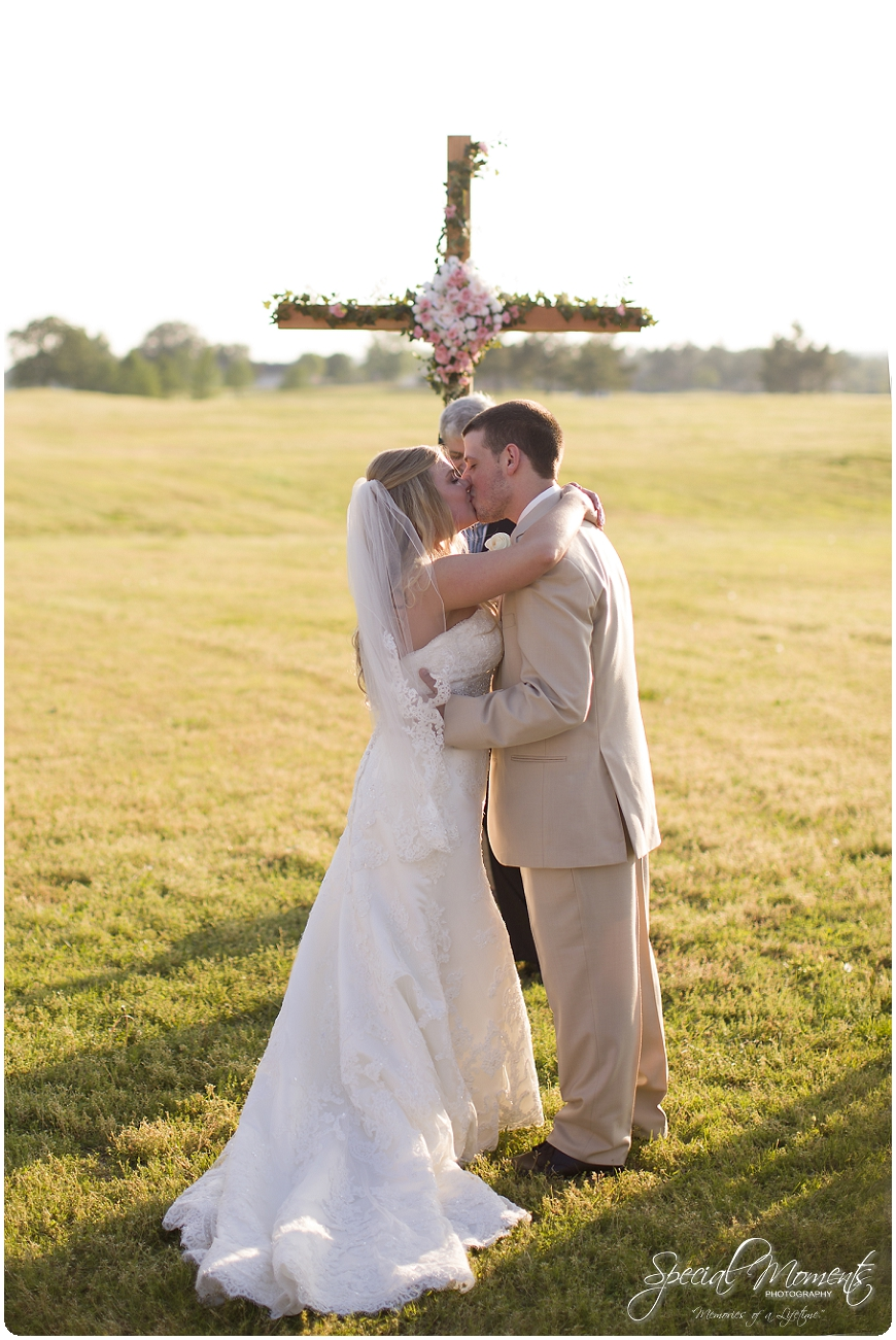 fort smith arkansas wedding photographer, amazing wedding details, southern wedding portraits_0037