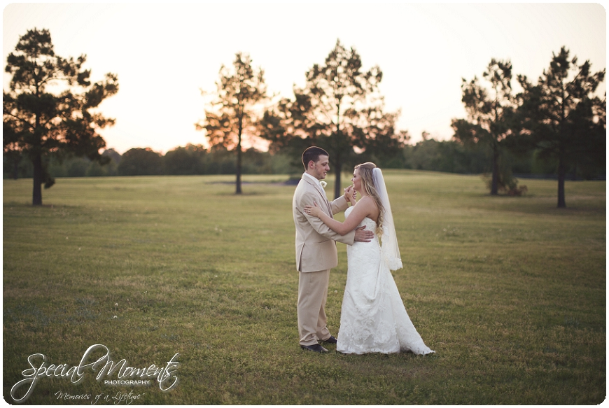 fort smith arkansas wedding photographer, amazing wedding details, southern wedding portraits_0048
