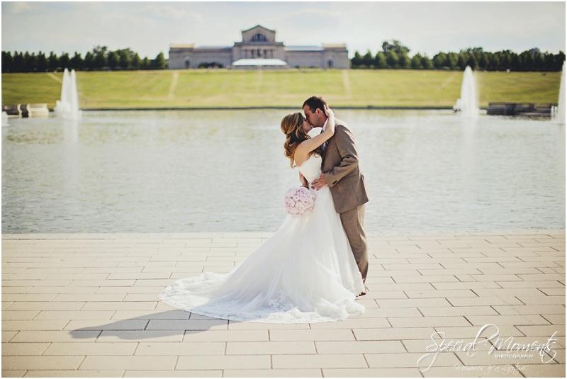 amazing wedding pictures, st louis missouri weddings, chase park plaza st louis wedding, southern wedding, chic shabby wedding_0018