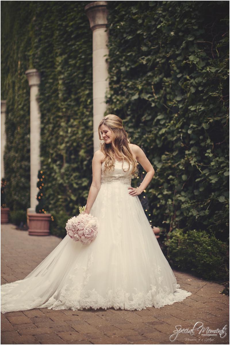 amazing wedding pictures, st louis missouri weddings, chase park plaza st louis wedding, southern wedding, chic shabby wedding_0026