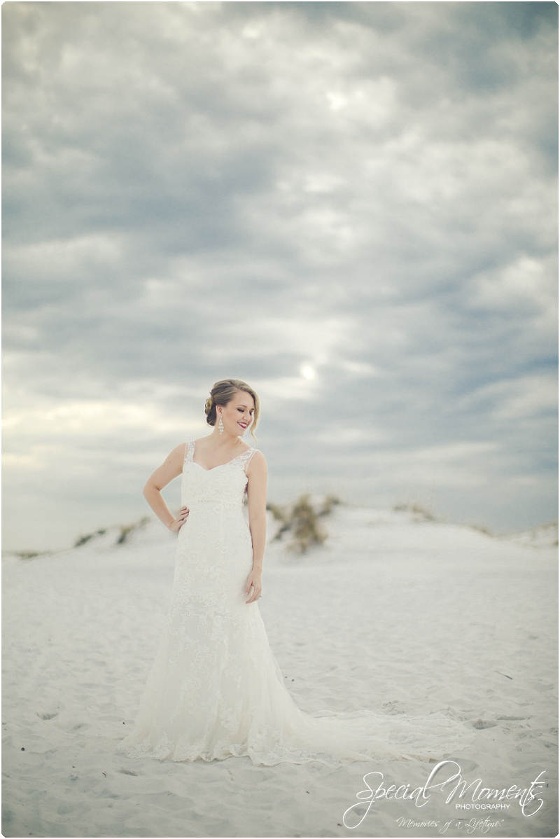 beach bridal portraits, beach wedding portraits, amazing bridal portraits_0000