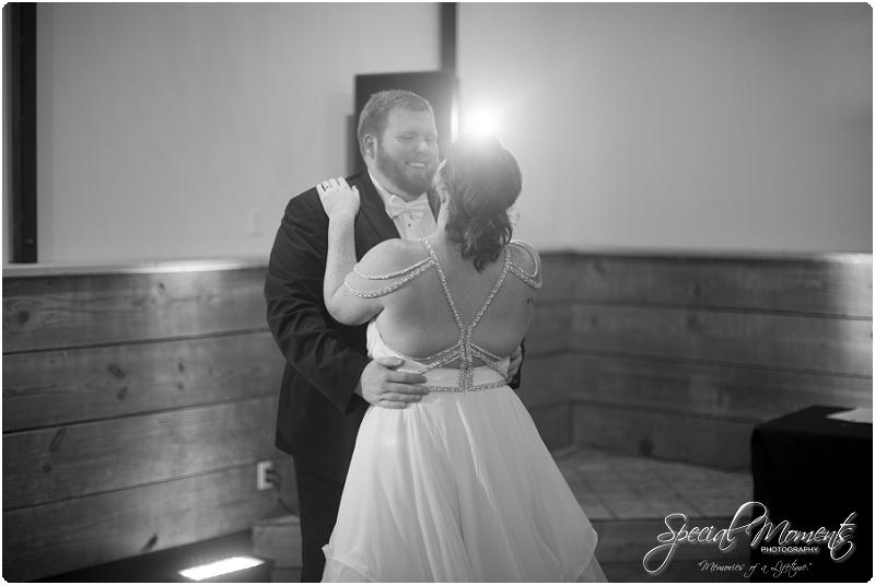 fayetteville arkansas wedding photographer, southern weddings, sassafrass springs vineyard wedding photographer_0037