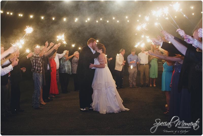 fayetteville arkansas wedding photographer, southern weddings, sassafrass springs vineyard wedding photographer_0040