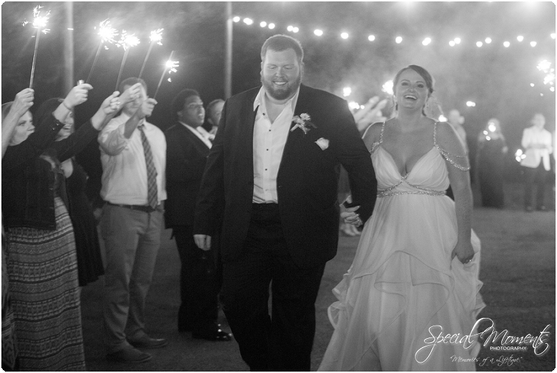 fayetteville arkansas wedding photographer, southern weddings, sassafrass springs vineyard wedding photographer_0041