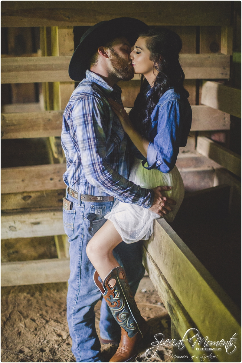 fort smith arkansas photographer, southern engagement pictures, outdoor engagement pictures_0002