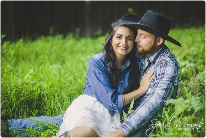 fort smith arkansas photographer, southern engagement pictures, outdoor engagement pictures_0004