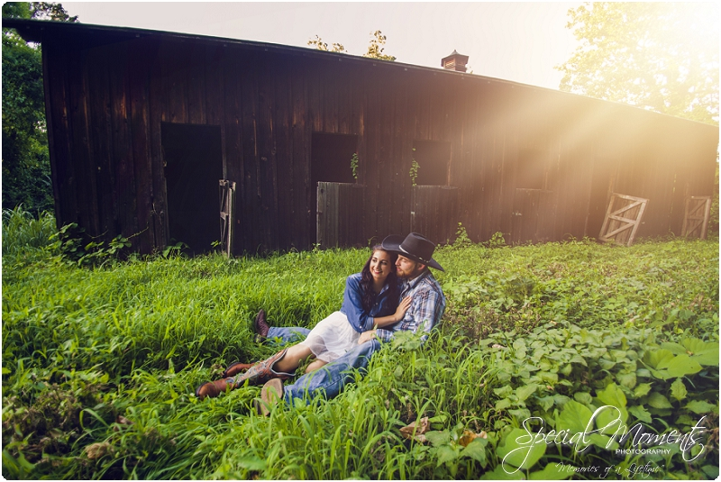 fort smith arkansas photographer, southern engagement pictures, outdoor engagement pictures_0005