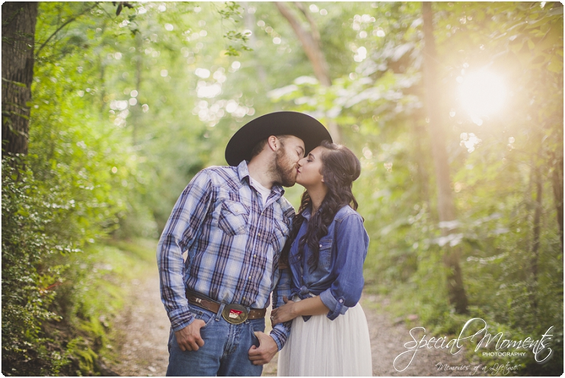 fort smith arkansas photographer, southern engagement pictures, outdoor engagement pictures_0006