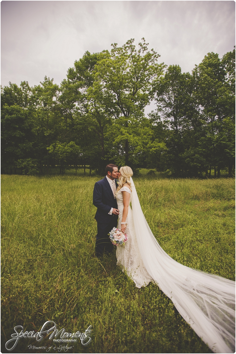 fort smith arkansas wedding photography , outdoor wedding pictures, southern wedding pictures_0106