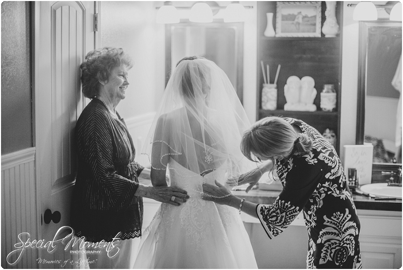 southern wedding , southern wedding pictures, lake wedding , oklahoma wedding photographer_0006