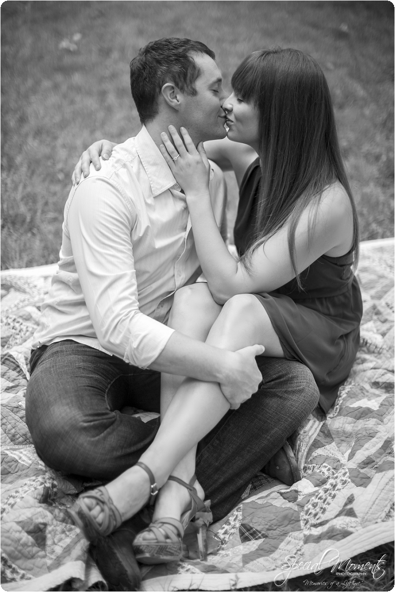 southern engagement pictures, engagement ideas, fort smith photographer_0003