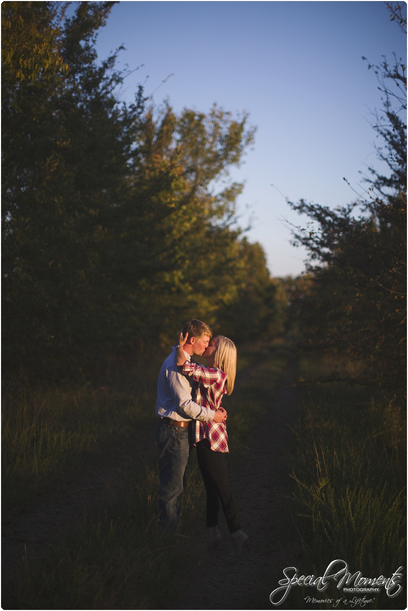 southern engagement pictures, fall engagement pictures, arkansas wedding photographer_0042