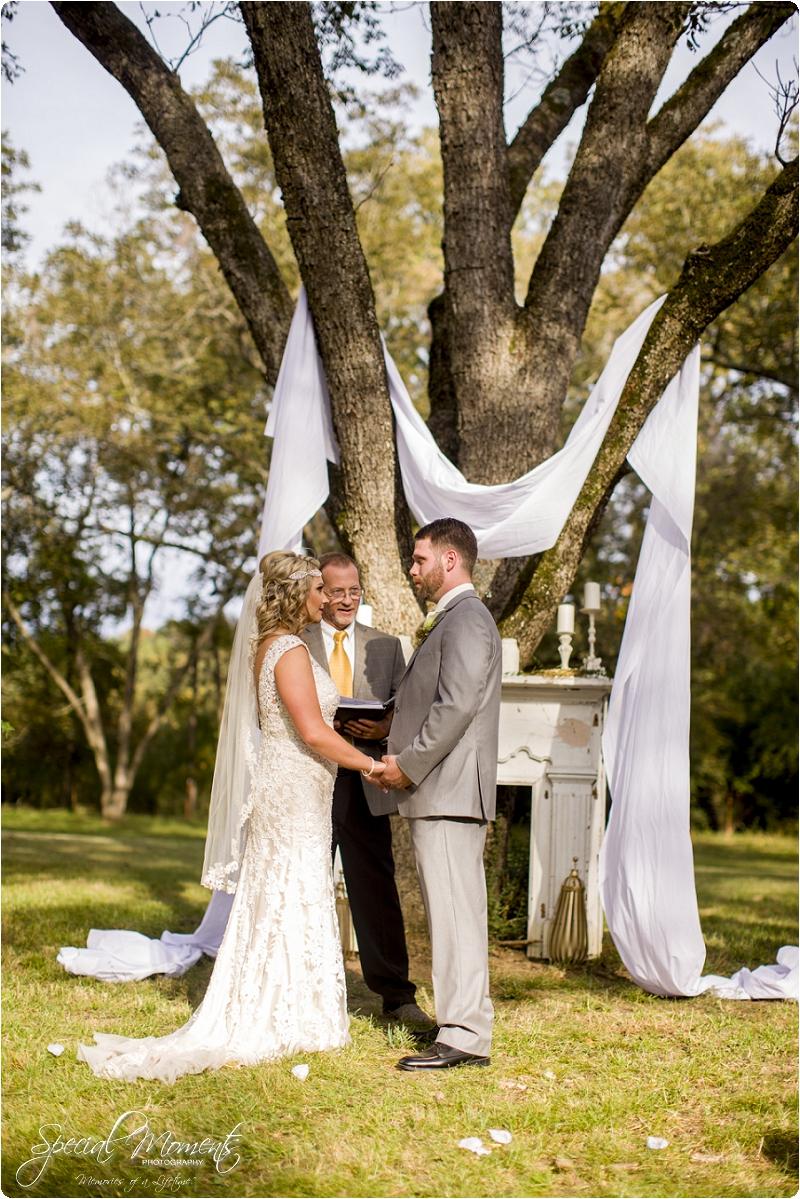southern wedding , arkansas wedding photographer, fall wedding pictures, amazing wedding photography , pecan grove at honey hill_0267