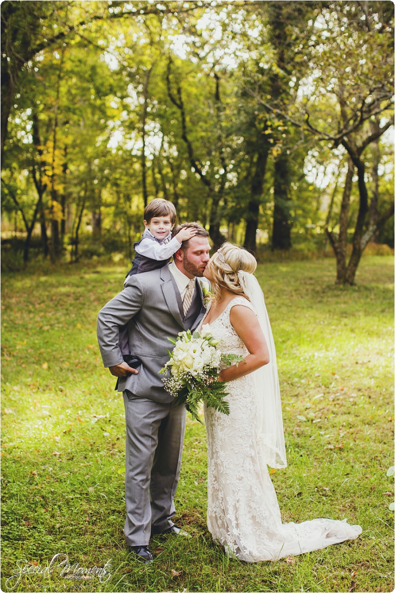 southern wedding , arkansas wedding photographer, fall wedding pictures, amazing wedding photography , pecan grove at honey hill_0295