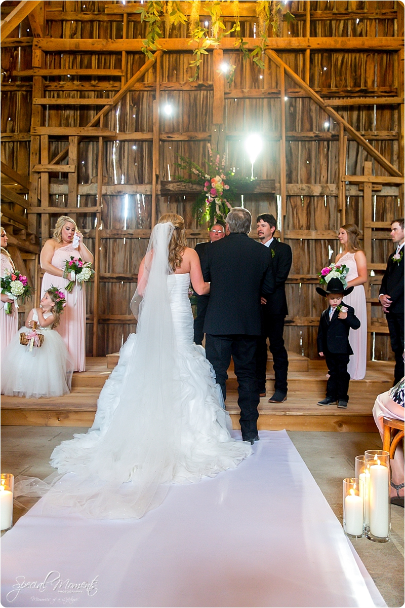 arkansas wedding photographer, hat creek ranch barn wedding, northwest arkansas wedding photographer_0671