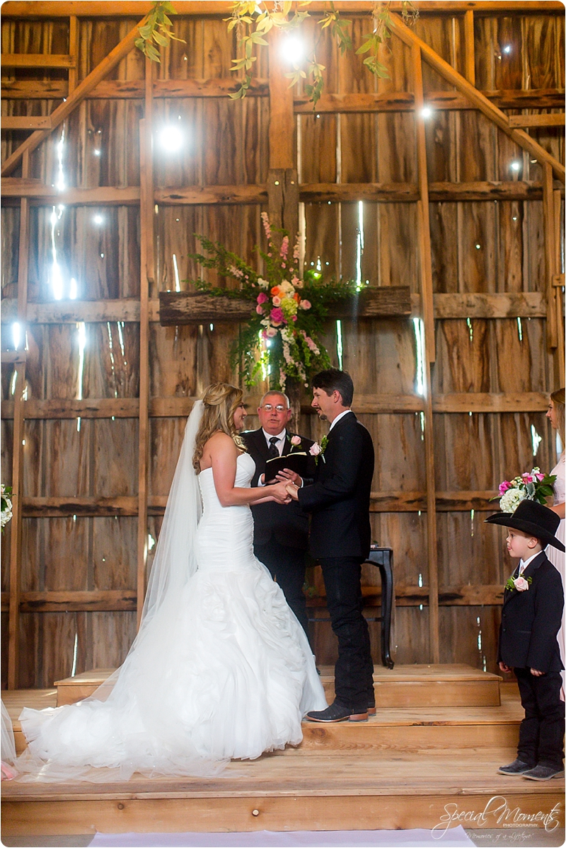 arkansas wedding photographer, hat creek ranch barn wedding, northwest arkansas wedding photographer_0673