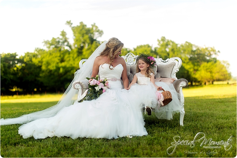 arkansas wedding photographer, hat creek ranch barn wedding, northwest arkansas wedding photographer_0680