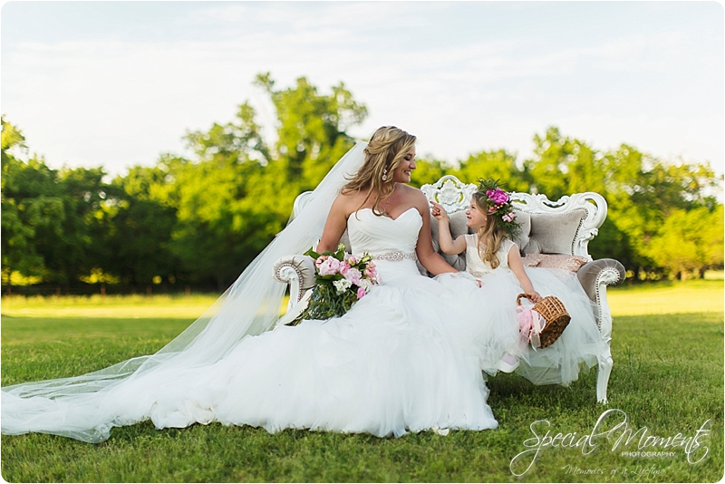arkansas wedding photographer, hat creek ranch barn wedding, northwest arkansas wedding photographer_0681
