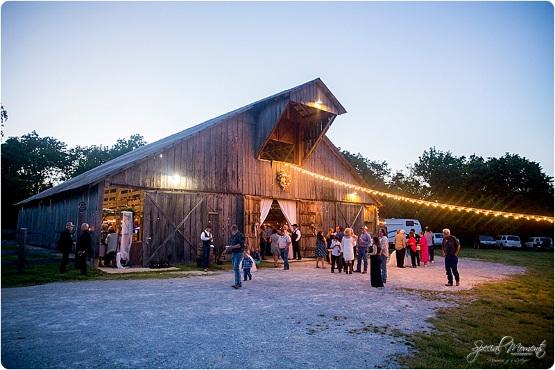 arkansas wedding photographer, hat creek ranch barn wedding, northwest arkansas wedding photographer_0687