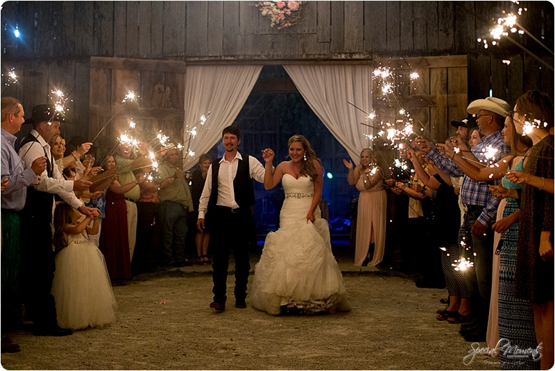 arkansas wedding photographer, hat creek ranch barn wedding, northwest arkansas wedding photographer_0690