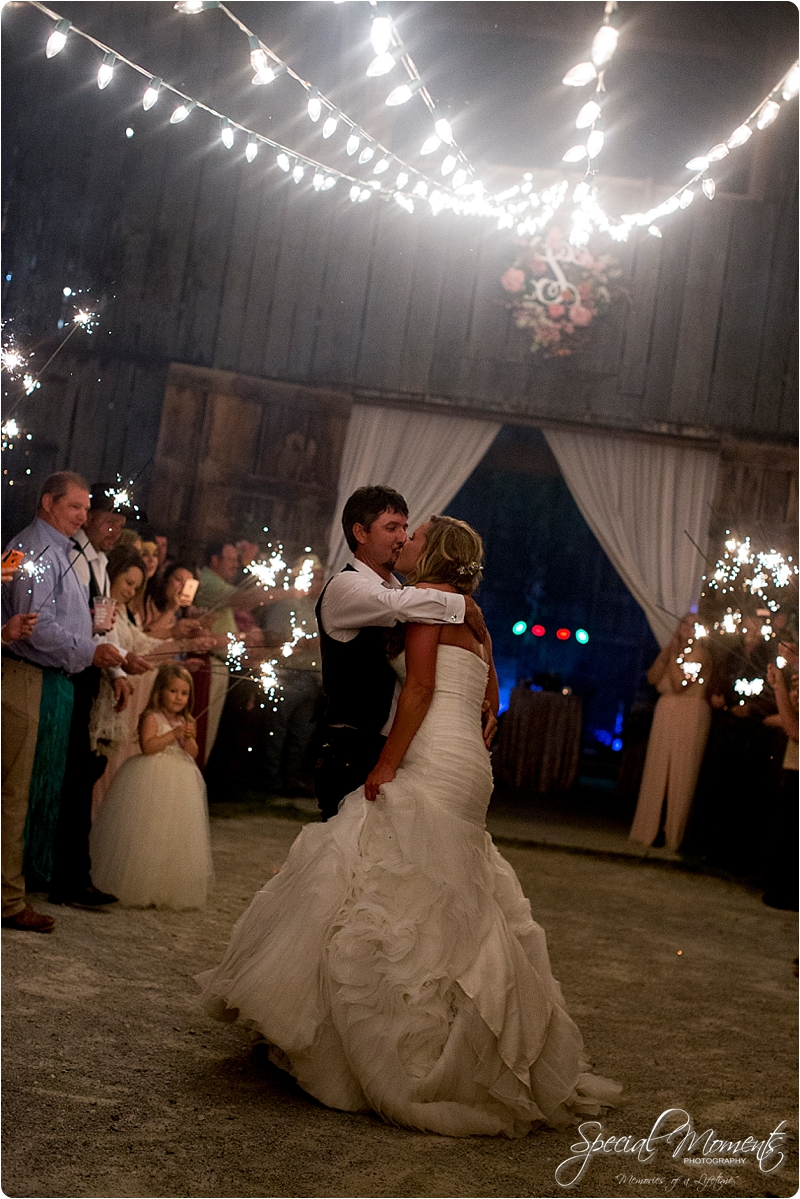 arkansas wedding photographer, hat creek ranch barn wedding, northwest arkansas wedding photographer_0691