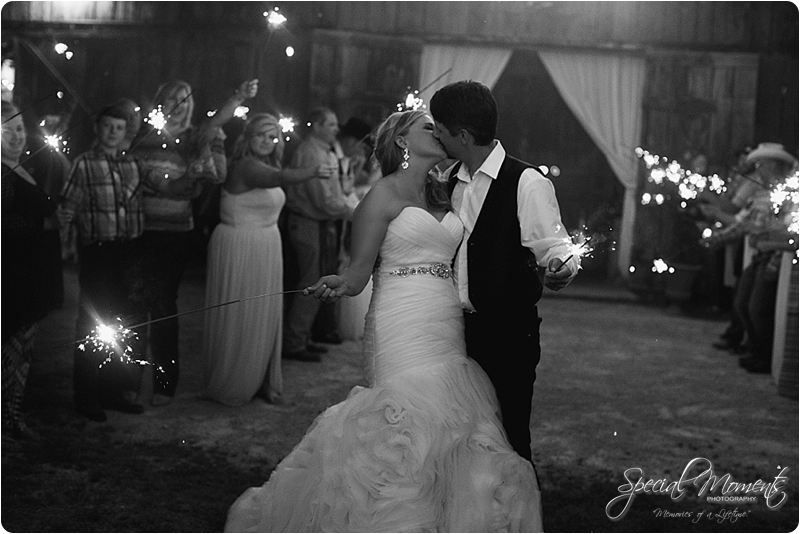 arkansas wedding photographer, hat creek ranch barn wedding, northwest arkansas wedding photographer_0692