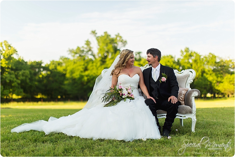 arkansas wedding photographer, hat creek ranch barn wedding, northwest arkansas wedding photographer_0697