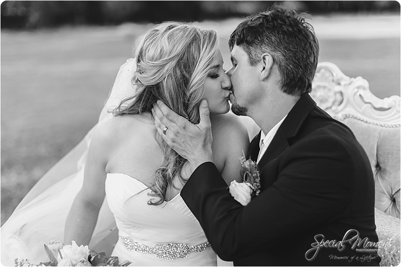 arkansas wedding photographer, hat creek ranch barn wedding, northwest arkansas wedding photographer_0700