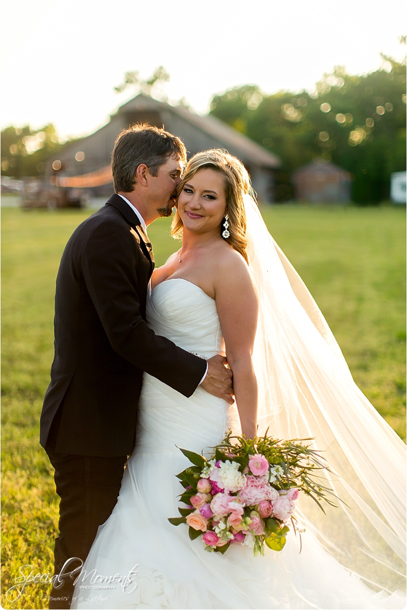 arkansas wedding photographer, hat creek ranch barn wedding, northwest arkansas wedding photographer_0702