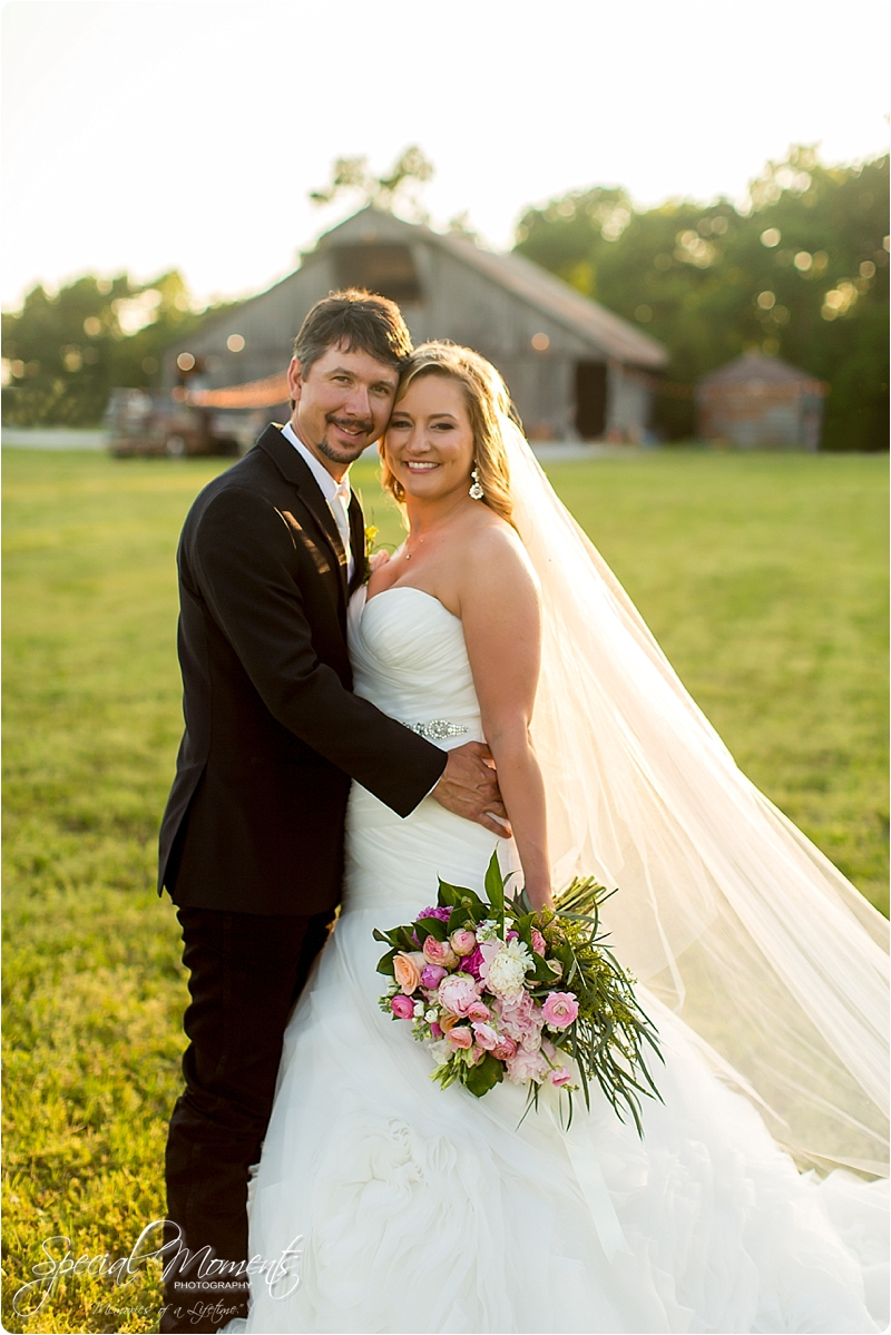 arkansas wedding photographer, hat creek ranch barn wedding, northwest arkansas wedding photographer_0703